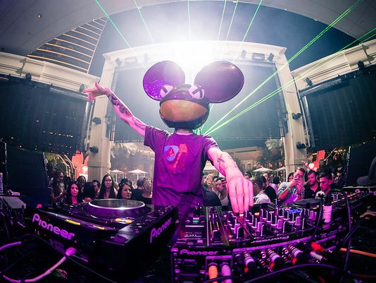 1409965839000-1409888340000-HIP_VEGAS_DEADMAU5_53305417[1]